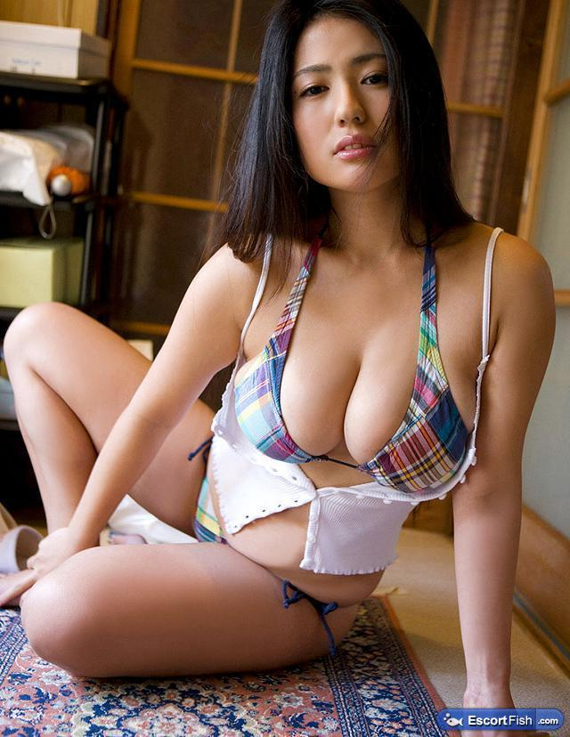 Sexxyyyy Busty And Fatty Mixed Asian Hottie Las