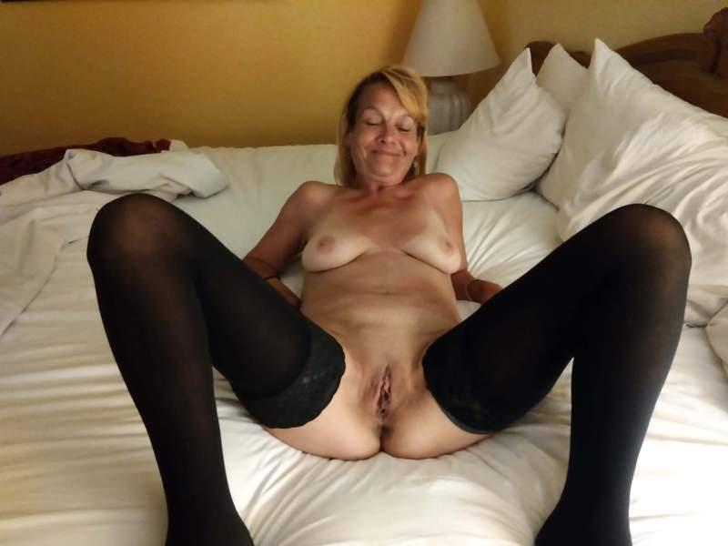 Milf Of Your Dreams Go Nsfw