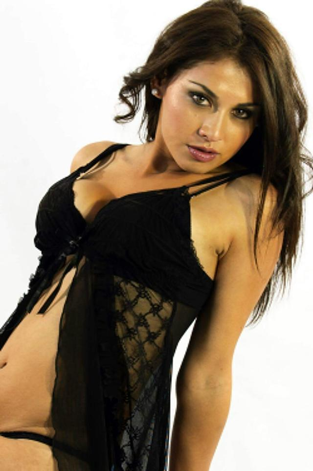 Laura Sexy Latina First Time New In Town Call Me -2520