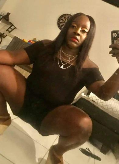 SEXH CHOCOLATE READY TO PLAY outcalls