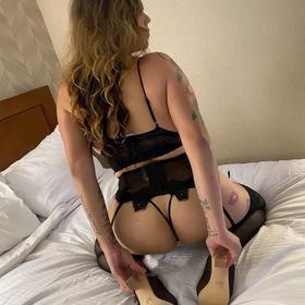 909-789-3814 IN/OUTCALLS AVAILABLE✅Sexy blonde Trans Thick Vers Latina✅