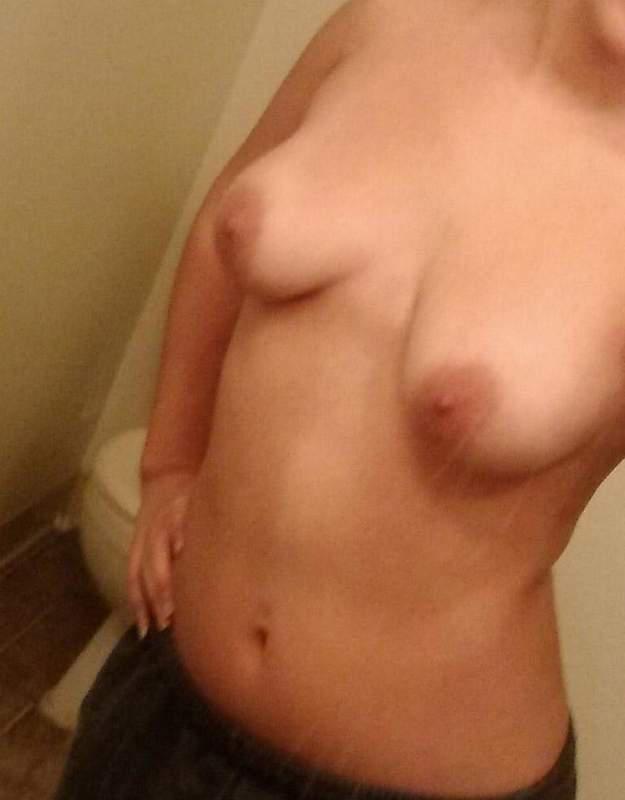 29 Older Woman Seeking Younger For Fun Sex - Hilton -1095