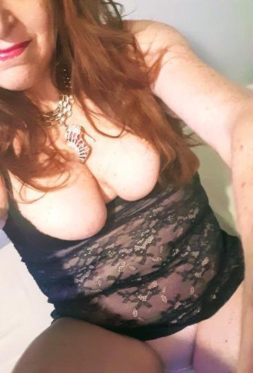 emma watson hot boobs pics